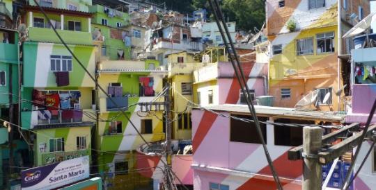 favela-painting-(richard-g-smith)-(3)-610x310-q90-540x274